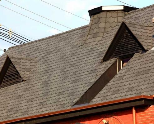 scalloped-edge natural slate shingles